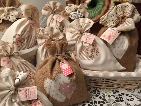Confezioni regalo sacchetti in stoffa e iuta porta for Porta sacchetti ikea