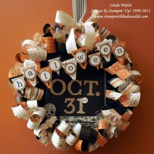 Create a fabulous Halloween wreath!