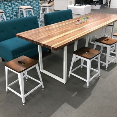 communal table example