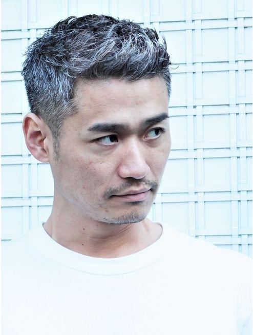 30 40代からの白髪刈り上げベリーショート L024031886 ガズル ハラジュク Guzzle Harajuku のヘアカタログ ホットペッパービューティー メンズヘアスタイル ベリーショート ヘアスタイル メンズ 40代 メンズ ヘアスタイル