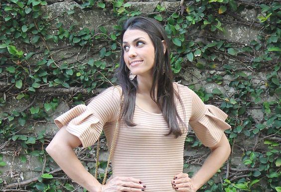 Blog Caca Dorceles. 2014. Meu Look: Vestido com mangas de pregas.Details: Iorane dress.
