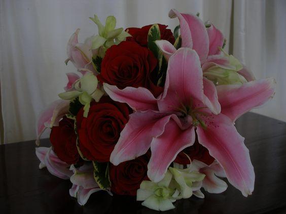 Red and pink #MyWeddingFlowers, #Bouquets www.myweddingflowers.us