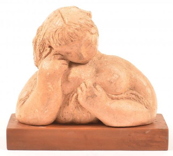 I just discovered this Modernistic Pottery Bust of a Woman. on LiveAuctioneers and wanted to share it with you: www.liveauctioneers.com/item/45403082