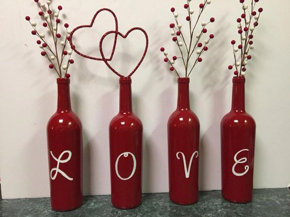 Valentine's Day Wine Bottles #valentinesdaydecorations