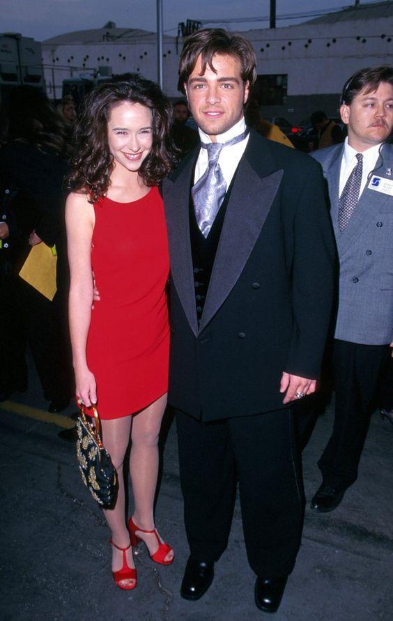 Pin for Later: 66 Couples de Célébrités Que Vous Aviez Totalement Oublié Jennifer Love Hewitt et Joey Lawrence Jennifer et Joey se sont fréquentés en 1996.
