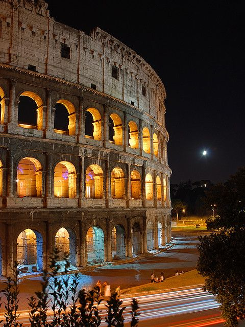 The Colosseum At Night Rome Italy Rome Is A Lovely Memorable Historical Place To Visit Enjoy
