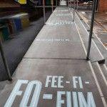 Frost Design per la segnaletica ambientale della biblioteca della scuola pubblica Stanmore di Sydney.3