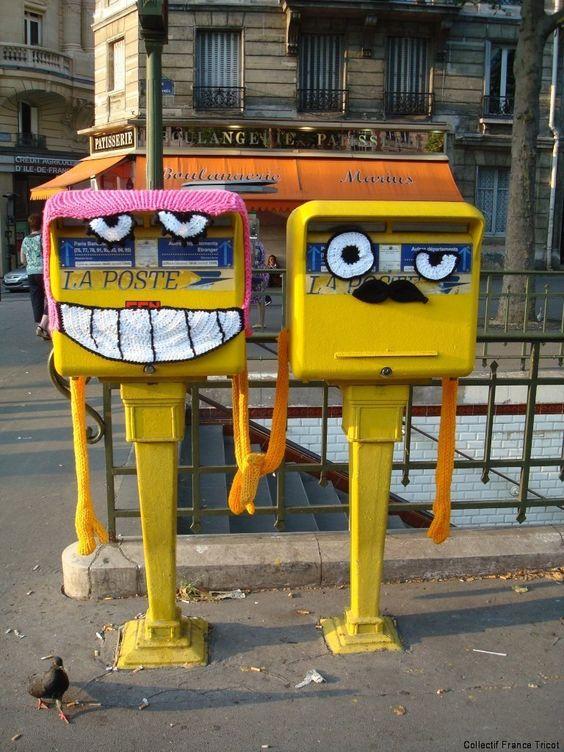 Paris street art, la poste