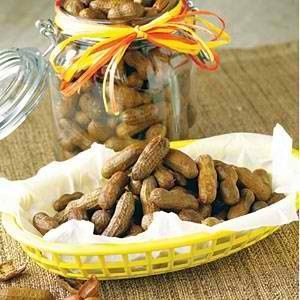 Easiest boiled peanuts ever... two ingredients and a crockpot {fabulous}