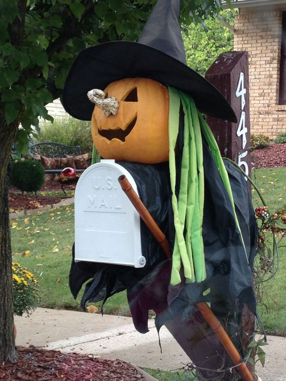 Cute Halloween mailbox idea  Halloween  Pinterest  ~ 222911_Halloween Decorating Ideas For Mailboxes