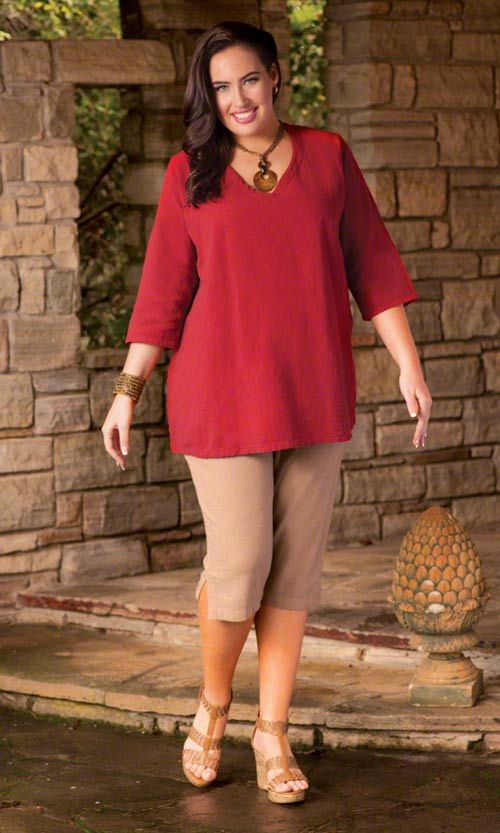 CRINKLE COTTON TUNIC / No matter what color you choose, the plus size Crinkle Cotton Tunic will take you through the season in style and comfort. / V-neckline / Bracelet length sleeves / Side slits / 100% crinkle cotton / Made in USA / Plus Size Fashion for Women #plussize #plussizefashion #summer #summertunic http://www.makingitbig.com/product/classic-cotton-tunic