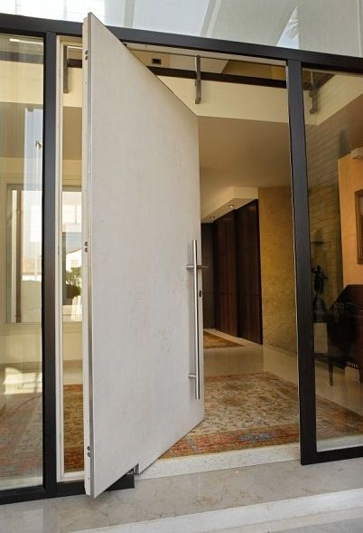 einbruchschutz haust r mit seitlicher drehachse impronta. Black Bedroom Furniture Sets. Home Design Ideas