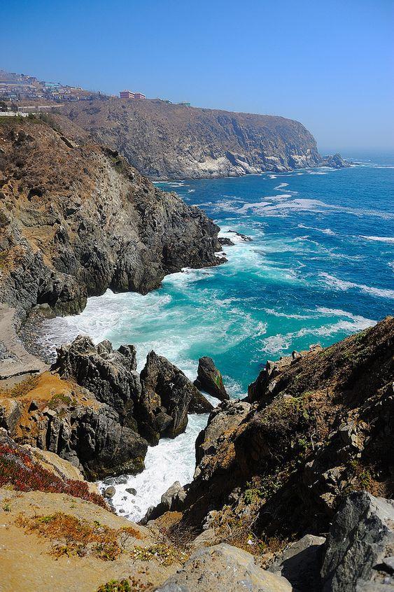 Valparaíso Coast, Chile (by Paulo Capiotti). #Turismo #ThisisChile #VinadelMar #Valparaiso #HSMChile #HSM #VRegion #Chile