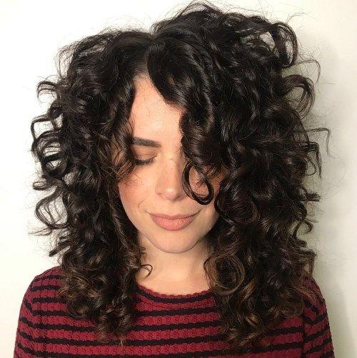 37 Beste Frisuren Mittellang Locken Zum Ausprobieren In 2020 Lockige Frisuren Coole Frisuren Lange Lockige Haare