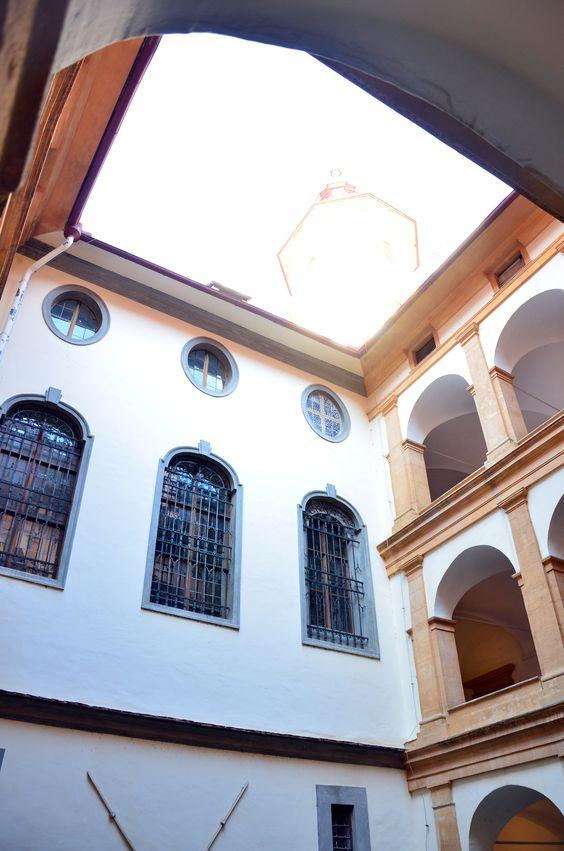 Kleiner Innenhof von Schloss Eggenberg -- Small inner courtyard of Eggenberg Palace
