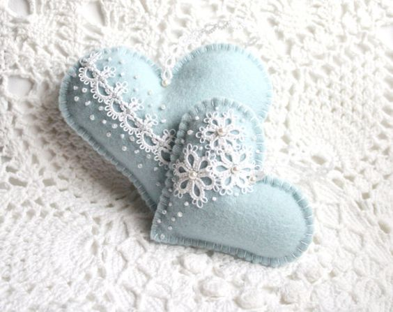 Heart Blue with White Lace Tatting Lace Felt by KnotTherapy