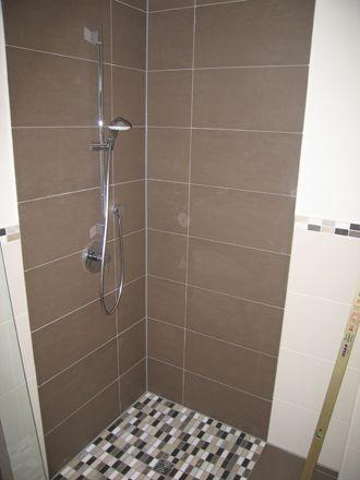 Dusche fliesen neues bad kleine b der creme materialien - Fliesen und bader ...