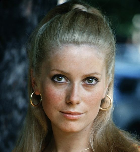 Catherine Deneuve Looking So Very Young And Innocent. Http