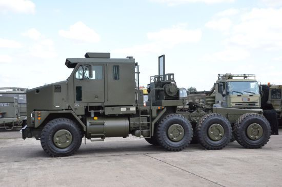 oshkosh m1070 tractor units 8x8 for sale oorlogsmateriaal pinterest for sale and tractors. Black Bedroom Furniture Sets. Home Design Ideas