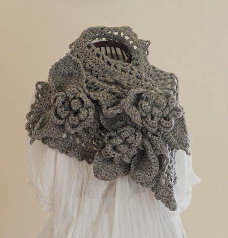 Crochet Bulky Flower Infinity Scarf-Vintage-Cowl on Luulla