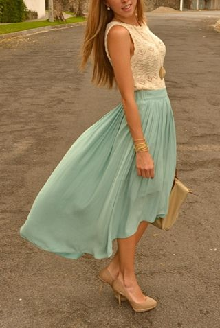 I love this dress! I hope to lose enough weight to get a dress like this for Lauren's wedding in June :)