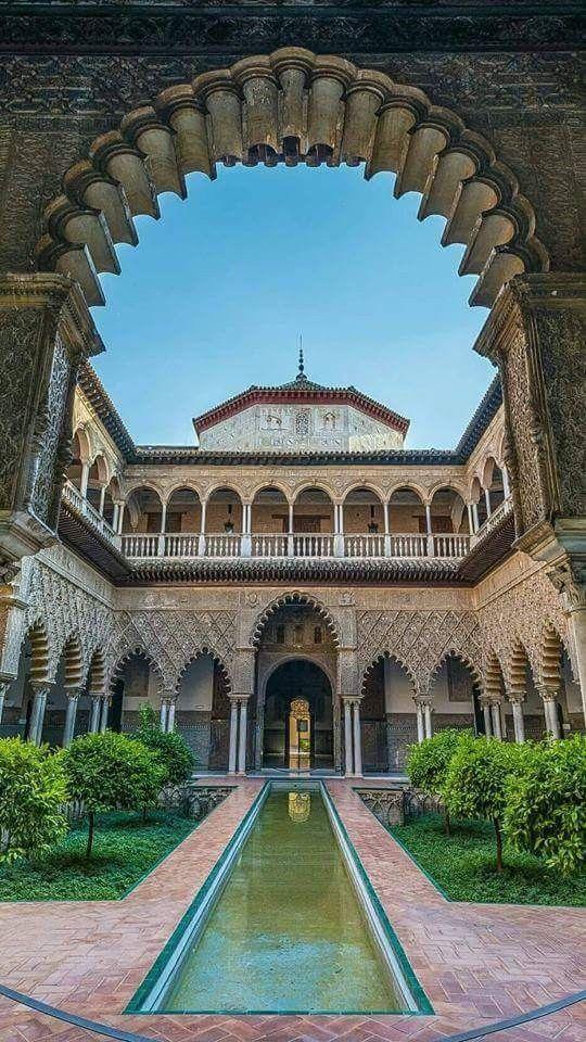 El Real Alcázar De Sevilla Alcazar De Sevilla Pueblos De España Viajar Por España