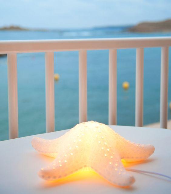 L mpara con forma de estrella de mar hecha de porcelana for Medidas nevera pequena