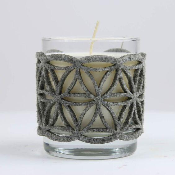 #candlestick #felt #cover #grey #cozy #autumm #candle #wear #candlewear  #glass #lasercut #floweroflife  Filcowe ubranko na świecznik z motywem kwiatu życia. by lilalu.pl