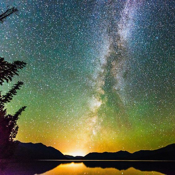 Sometimes especially this time of year there's nothing like a crisp night under the Milky Way. Isn't this just gorgeous? #galaxy #MilkyWay #travel #inspiration #motivation #landscape #beauty #natural #vacation #itravel2000 #seetheworld #wanderlust