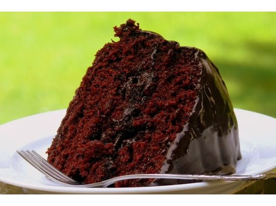 Old-Fashioned Chocolate Cake with Glossy Chocolate Icing