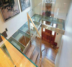 plancher en dalle de verre sur mezzanine le prochain plancher pinterest morals mezzanine. Black Bedroom Furniture Sets. Home Design Ideas