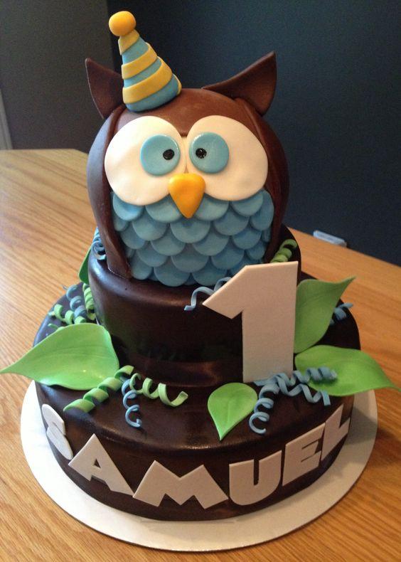 Baby owl fondant cake:
