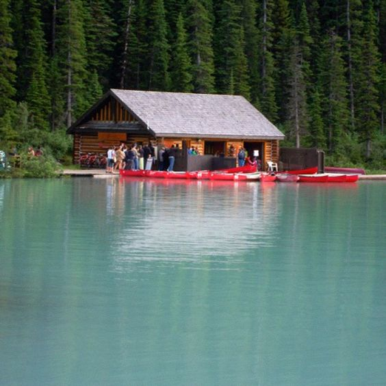 Canoe Rentals on Lake Louise