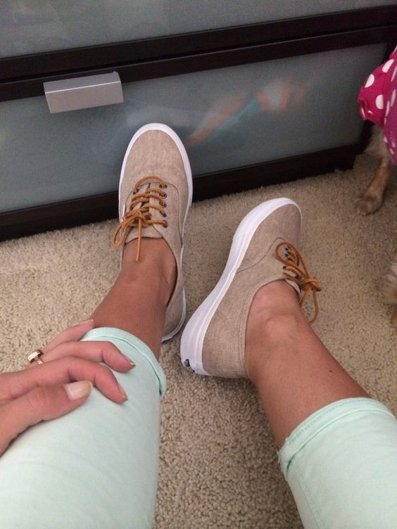 vans authentic slim cream/true white