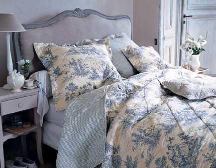 Almohadones y ropa de cama