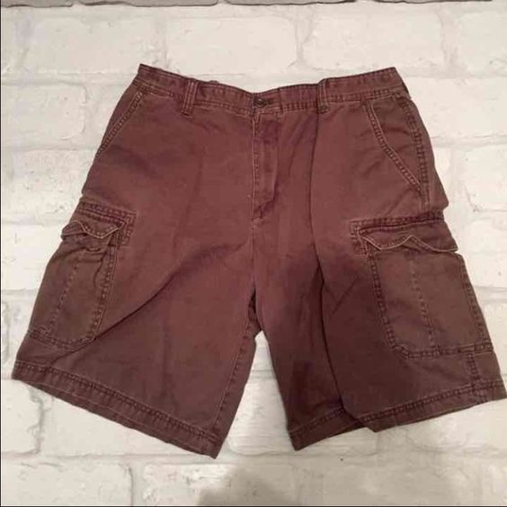 ef9b4c68c46c Men s 34 waist IZOD cargo shorts Worn once. Perfect condition. I apologize  for the