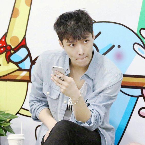 150616 Beijing airport • He seems to be sitting at a corner set up for kindergarden kids  • {#lay#yixing#xingmi#zhangyixing#레이#zyxzjs#exo#exolay#exok#exom#exol#kpop#장이씽#张艺兴#張藝興#蛋蛋#艺兴}  ㅡ ●NO REPOST●