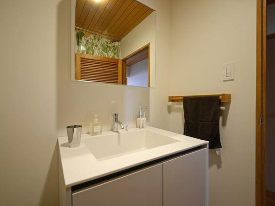 Sobaboloさんの洗面室の全体の様子『新旧をMIXした洗面室』(6814-5)