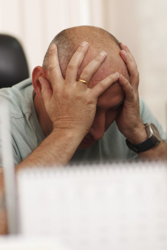 Selbstmord: In diesen Berufen ist es wahrscheinlicher, dass Sie gefährdet sind #depression #job #suicide