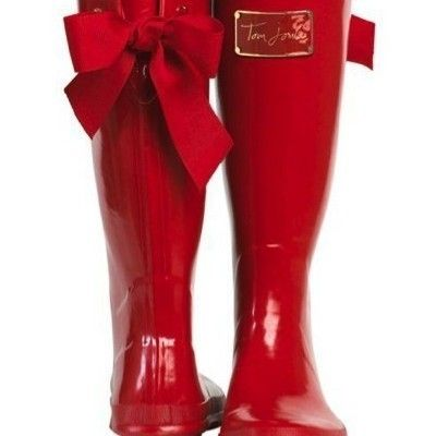 red rainboots with grosgrain bow