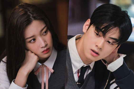 "Moon Ga Young And ASTRO's Cha Eun Woo Can't Help But Gaze At Each Other While Studying In ""True Beauty"""