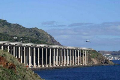 wow! airport: Short Runway, Favorite Places, Airport Madeira, Wood, Dangerous Airports, Airport Runway, Airports Aeroplanes Etc