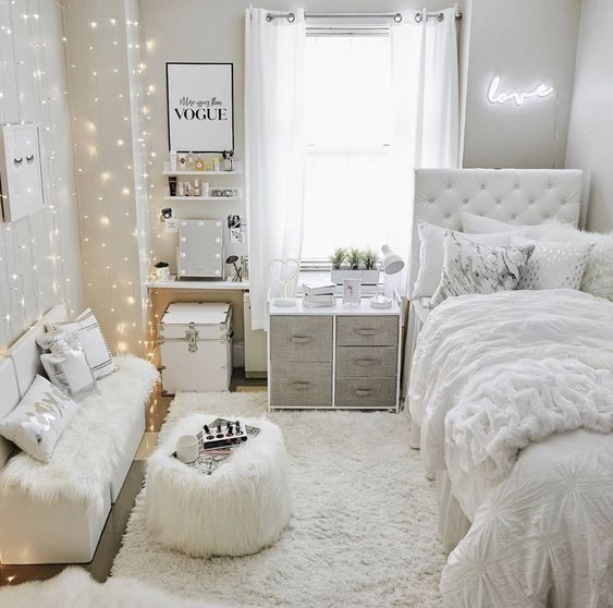 VSCO Room Ideas: How to Create a Cute Dorm Room. dorm room aesthetic, dorm essentials, dorm rooms, dorm room essentials, beautiful dorm rooms, dorm room storage, dorm room organization, headboard for dorm room, dorm room necessities, VSCO room ideas, Vsco room, Vsco room decor, dorm room ideas, dorm decor, cute dorm rooms