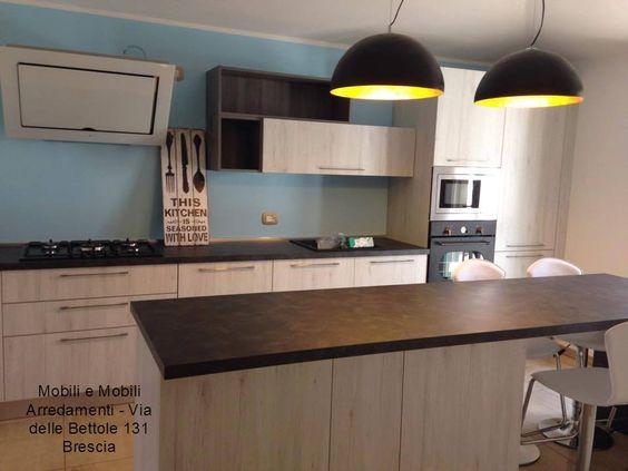 Cucina realizzata dallo staff di mobili e mobili arredamenti ...