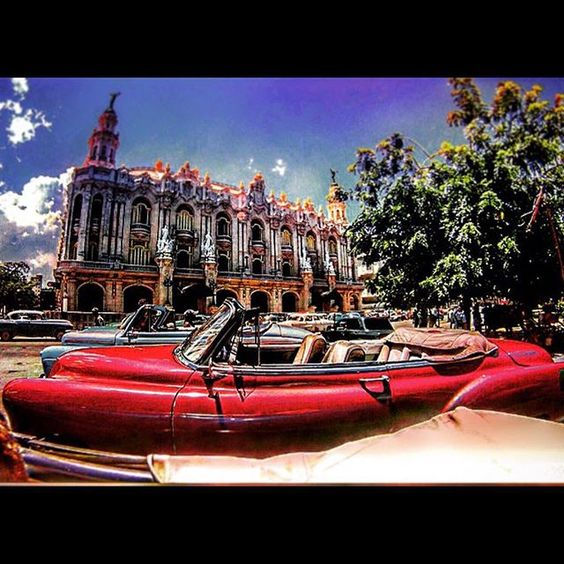 #cuba #Avana #habana #havana #havanavieja #capitolio #calor #summer #sun #sky #chevrolet #pontiac #red by samu_88_