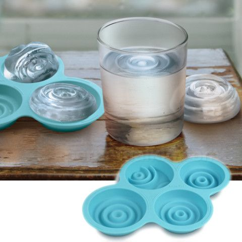 RAINY DAY ICE TRAY. Now isn't this clever and cute.