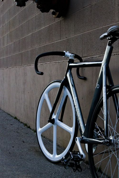 Black White Fixedworldwide Fixie Bicycling And Cycling