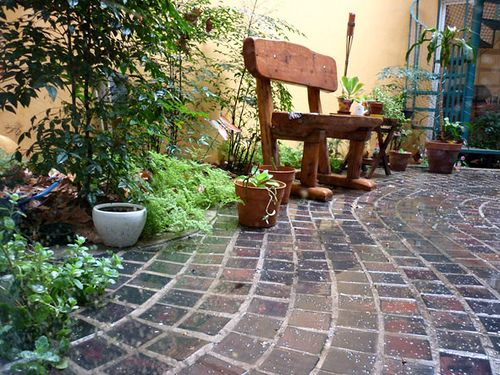 Patio paver stones and stone walkways on pinterest for Pisos para patios
