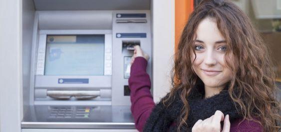 Jetzt einfach wechseln: Mit diesen drei Banken machst du alles richtig (Foto © dobok / Fotolia.com)