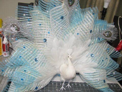Carmen S Eyelash White Peacock Christmas Wreath Youtube Deco Mesh Christmas Wreaths Peacock Christmas Decorations Christmas Mesh Wreaths